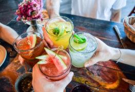 Ciekawe sposoby na ozdobienie drinka